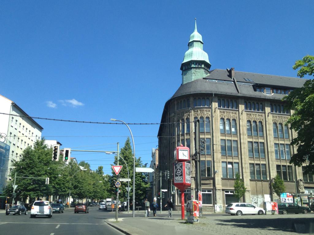 Berlin Brunnenstrasse Invalidenstrasse Veteranenstrasse crossing