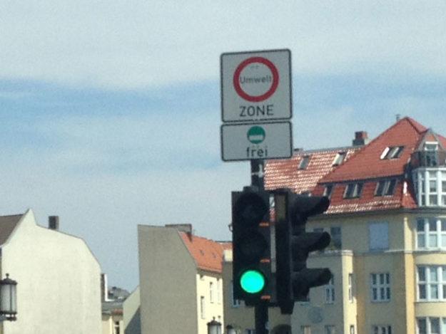 Berlin environmental badge - emission zone street sign