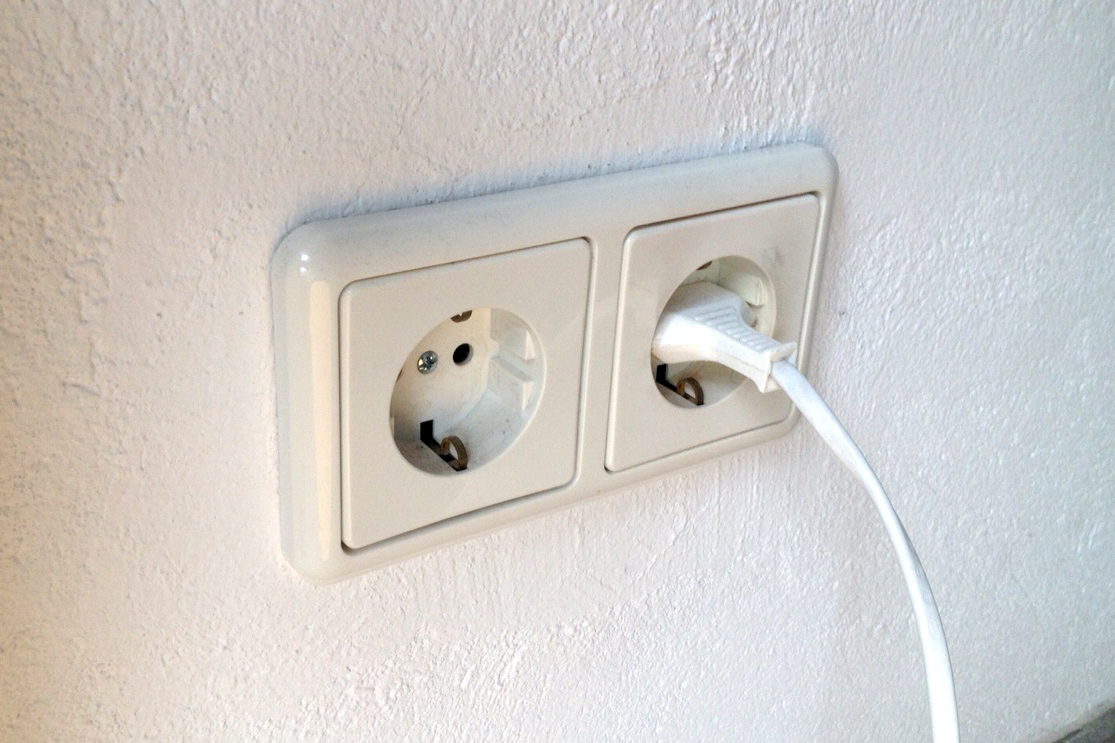 Accessory power outlets