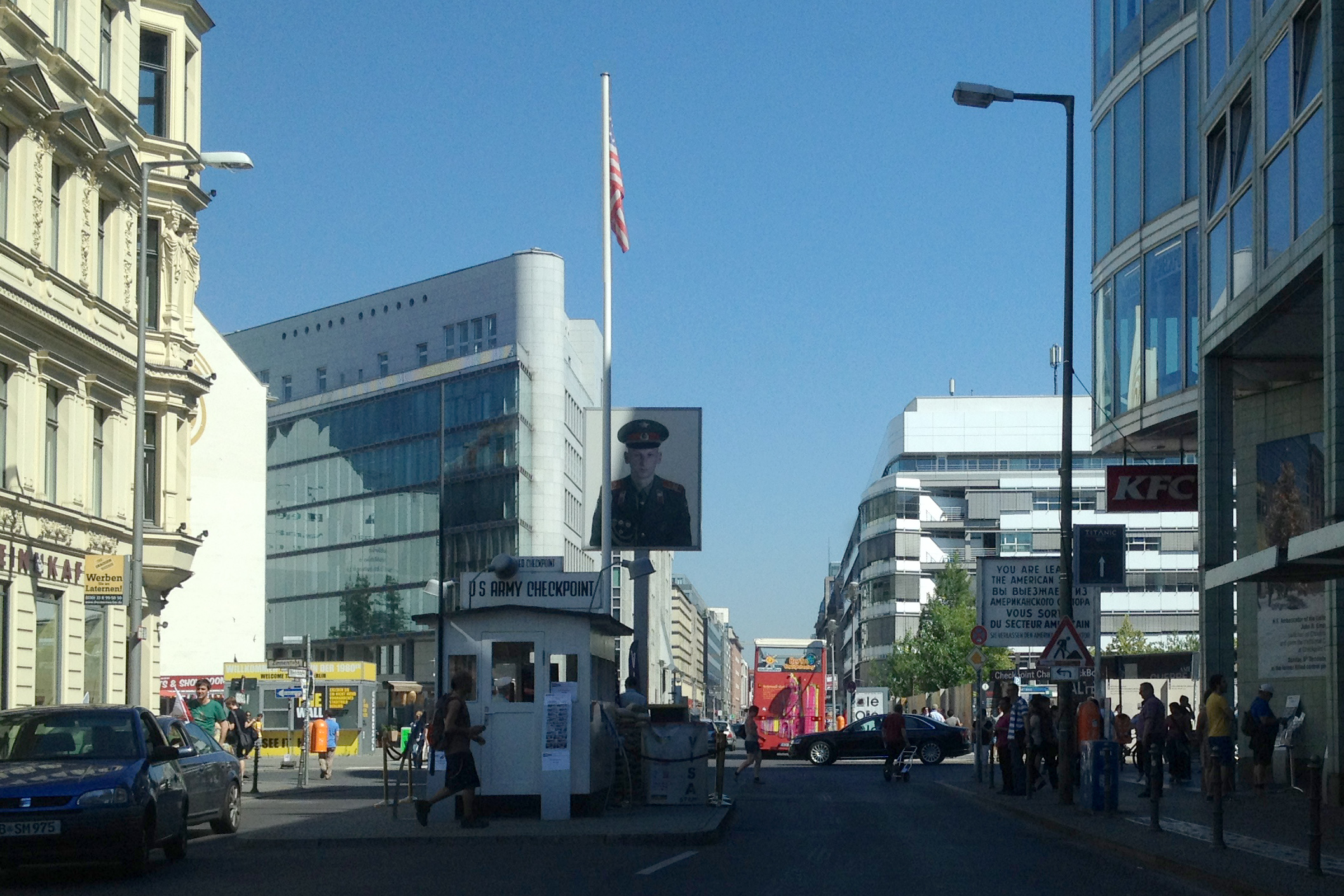visit checkpoint charlie things to do in berlin. Black Bedroom Furniture Sets. Home Design Ideas