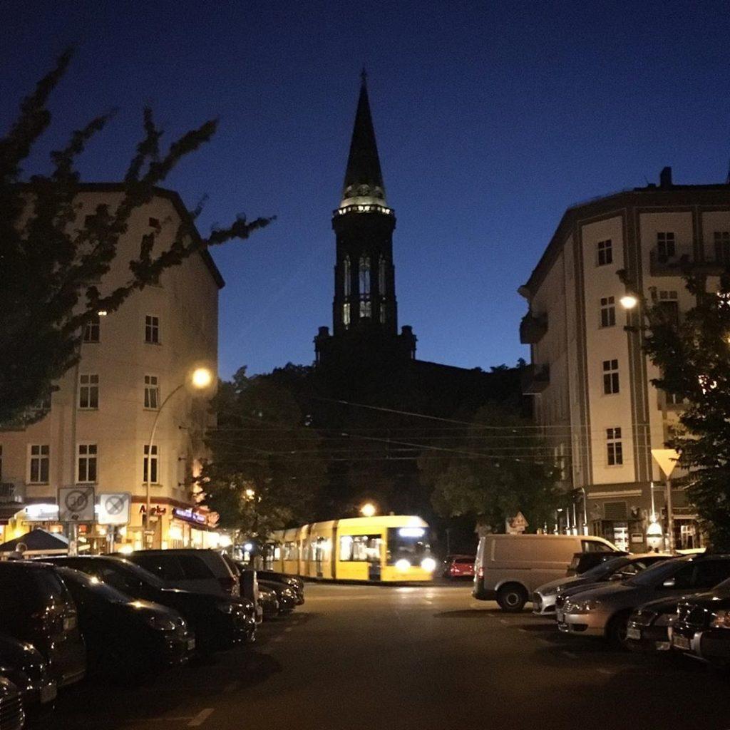 Zionskirche / Tram